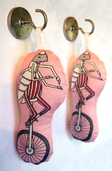 26-Unicycle-Flea-ornament
