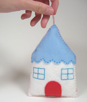 02-HouseOrnament1